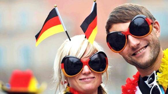 tifosi tedeschi società tradizioni cultura germania tedesca berlino trasferirsi all'estero andare a vivere in germania trovare lavoro